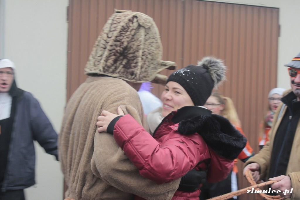 Przeglądasz galerie Wodzenie niedźwiedzia w Zimnicach Małych 4.02.2017